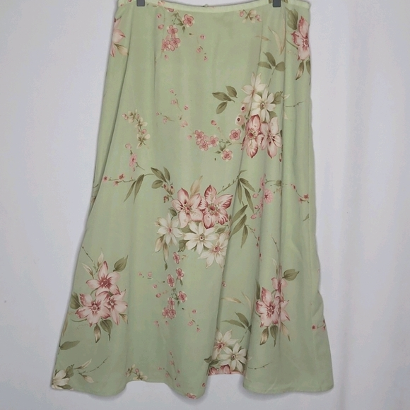 Jaclyn Smith Skirts Classic Green Floral Poshmark